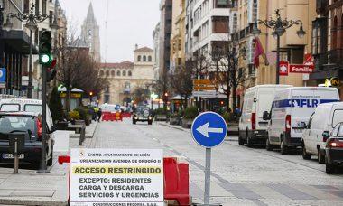 La remodelación de la avenida Ordoño II de León deja sin tráfico rodado una de las principales arterias de la ciudad