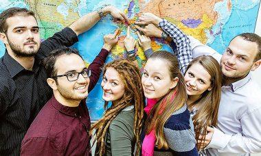 Educación concede 1.660 becas Erasmus para universitarios de Castilla y León en el curso actual